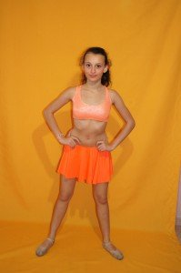 10 ENSEMBLES ORANGE LYCRA HAUT A PAILLETTE  10/12/14ANS